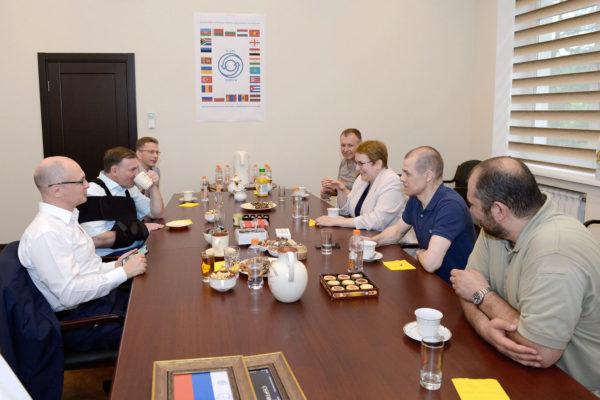 Встреча С.В.Кириенко (5 дан айкидо АЙКИКАЙ) с руководителем МЦНТИ Ю.В.Лончаковым